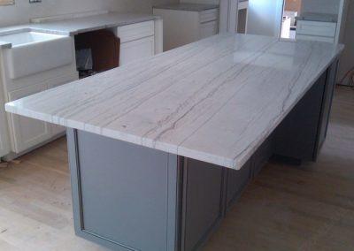 White Macaubas Quartzite Tops Desk
