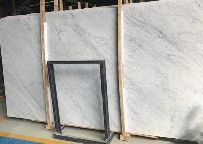 carrara white marble bottom color